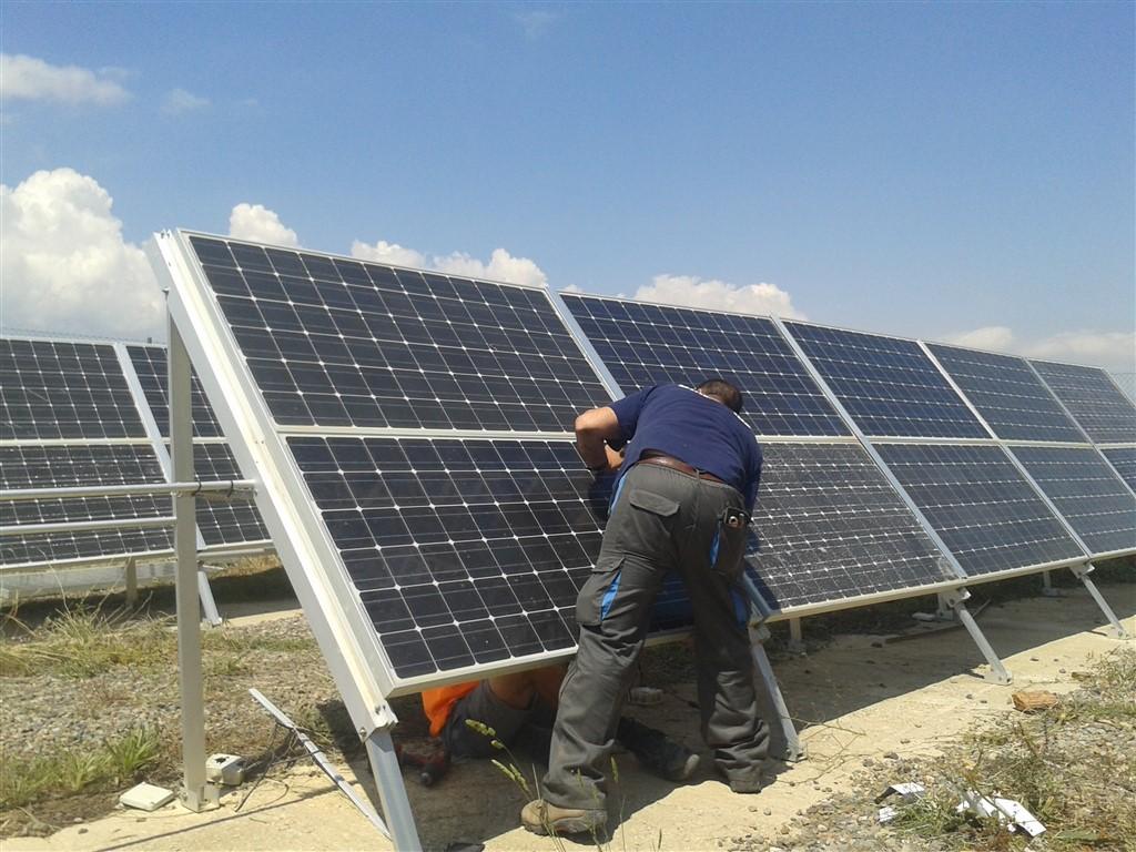 Bombeo solar fotovoltaico en almer a albedo solar for Instalacion fotovoltaica conectada a red